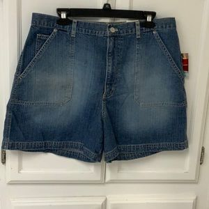 Gloria Vanderbilt size 14 jean shorts